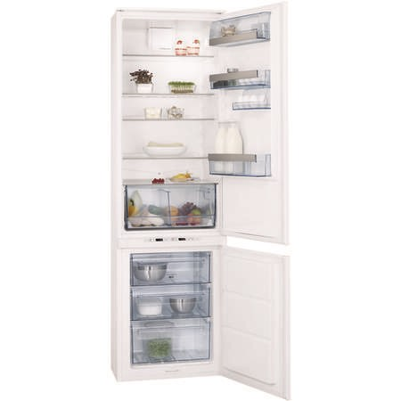 GRADE A2  - AEG SCT71900S0 Pro-Fresh Frost Free 70-30 Integrated Fridge Freezer