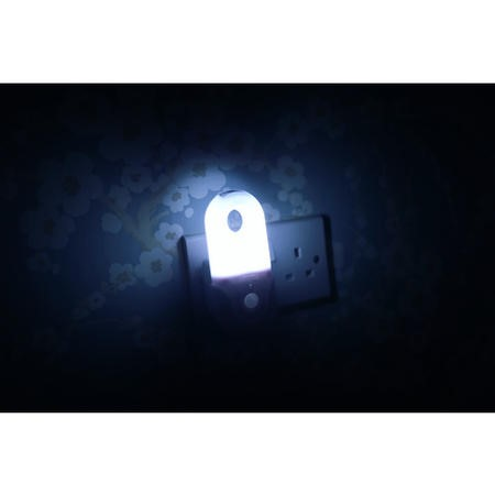 Pack of 2 Portable Night Lights with Motion Sensor and Built in LED Torch