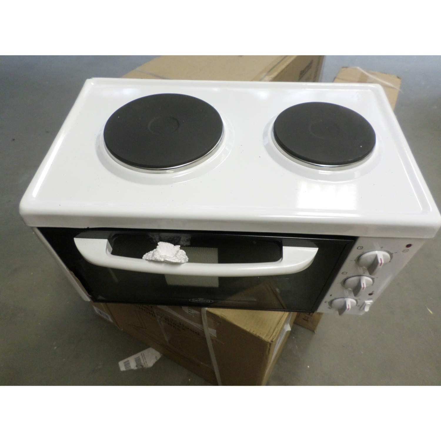 Grade A3 Heavy Cosmetic Damage Baby Belling Mk318 Mini Kitchen Cooker With Sealed Plate Hob White 77210837 1 444442306 Appliances Direct