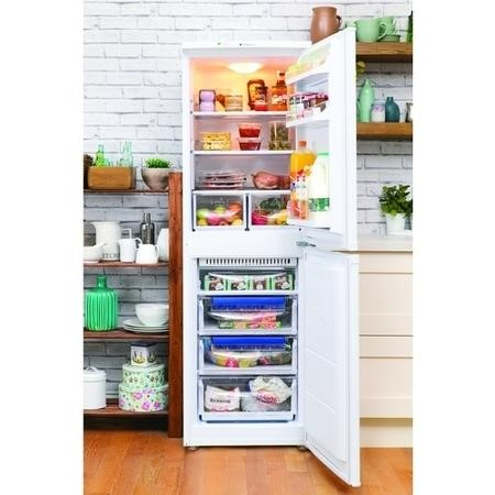 Hotpoint FFAA52P Frost Free Ice Diamond Freestanding Fridge Freezer Polar White