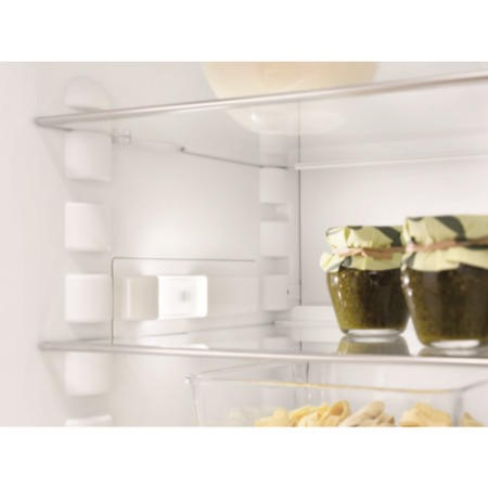 Miele K37222iD 56cm Wide Integrated In-Column Fridge - White