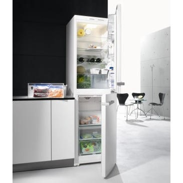 Miele KFN12924SD-1 60cm Wide White Freestanding Fridge Freezer