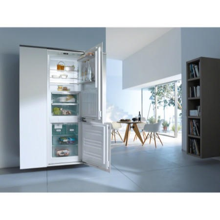 Miele KFN37692iDE 70-30 Frost Free Integrated Fridge Freezer With Ice Maker