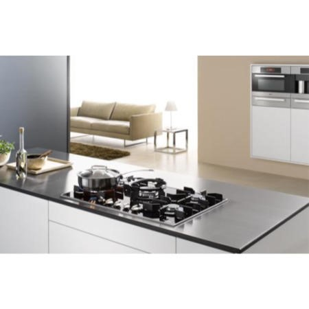 GRADE A1 - Miele KM3034 81cm Wide 5 Burner Gas-on-glass Hob