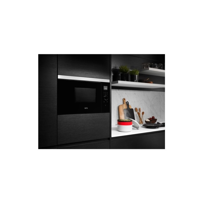 aeg mbe2658seb 26l 900w built in microwave oven black appliances direct. Black Bedroom Furniture Sets. Home Design Ideas