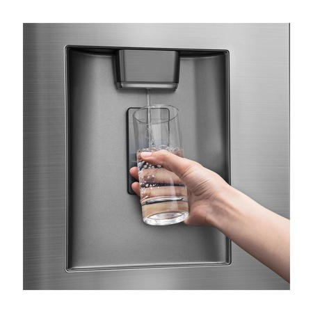 GRADE A2 - Hisense RF702N4IS1 French Door Style American Fridge Freezer With Plumbed Water Dispenser - Stainless Steel