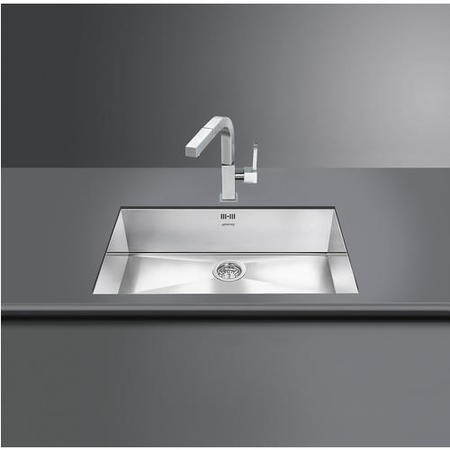 Single Bowl Chrome Stainless Steel Kitchen Sink - Smeg Quadra