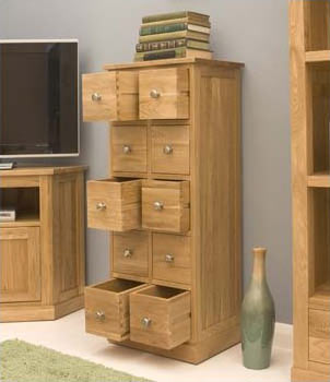 with a chunky and contemporary construction the mobel solid oak furniture collection is tailored to modern living clean lines emphasise the solid build baumhaus mobel solid oak fully
